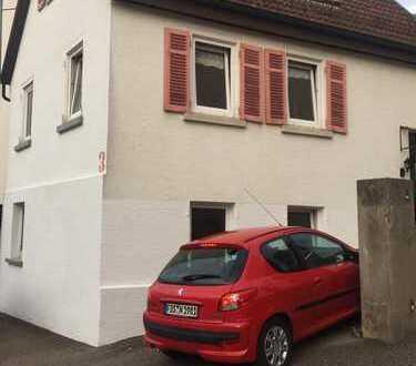 Freistehendes 4,5-Zr.-Haus in Rommelshausen, herrliche Sonnen-Terrasse, S-Bahn-Anschluss