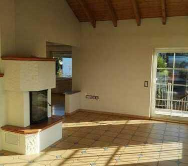 Wohnung auf dem Höchsten mit offenem Kamin und bester Aussicht unterm Dach