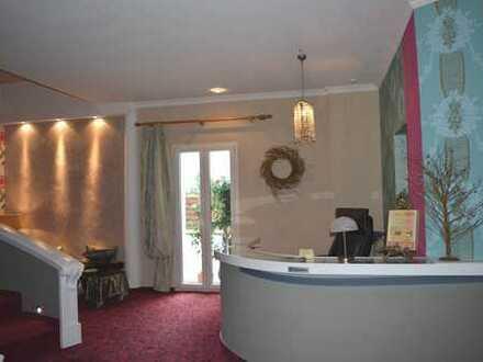 Extravagante-exklusive-210m² große Wohnung mit Balkon zur Südseite wartet in Kirrlach auf SIE!!