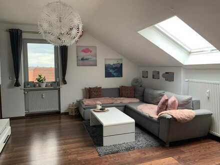 Wunderschöne 3,5-Zimmer-DG-Wohnung mit EBK in Schwarzenfeld