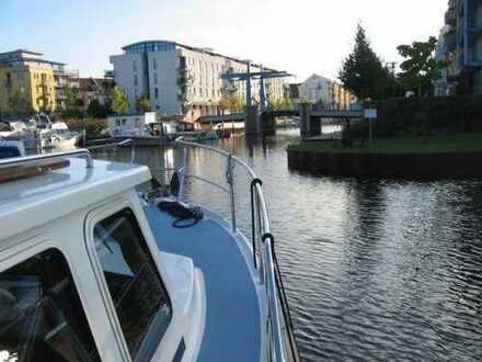 """Exclusives Penthouse mit zwei Dachterrassen und Wasserblick """"Am Yachthafen"""""""