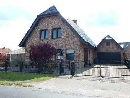 RESERVIERT!!! Schickes Einfamilienhaus mit großem Grundstück, Garage und Photovoltaikanlage in Epe