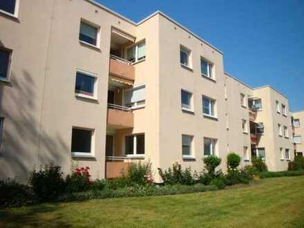 Neue Vahr! Sanierte 3 Zimmerwohnung mit barrierefreiem Duschbad und Balkon!