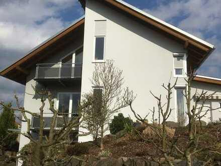 Schönes attraktives Einfamilienhaus mit Einliegerwohnung