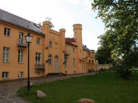 ***SCHLOSS PETZOW am Schwielowsee*** Herrschaftliche 3-Zimmer-Wohnung mit Seeblick!