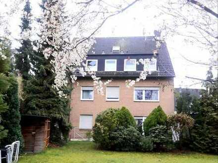 Helle Maisonette Wohnung in 4 Parteien Mietshaus in Monheim-Baumberg