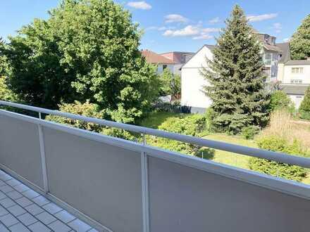 Top-sanierte 2-Zimmer-Wohnung mit Balkon und Einbauküche in Frankfurt am Main - Oberrad
