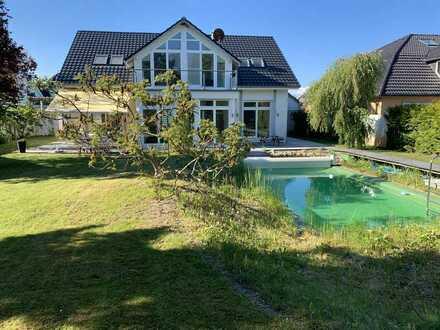 Villa auf dem Golfplatz mit Pool