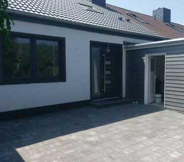 Modernisiertes Reihenmittelhaus mit fünf Zimmern in Gifhorn (Stadt), 116 m², Garten