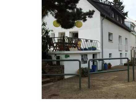 ***MIETE AUF ZEIT *** Schönes teilmöbilliertes sechs Zimmer HAUS in Euskirchen (Kreis), Mechernich