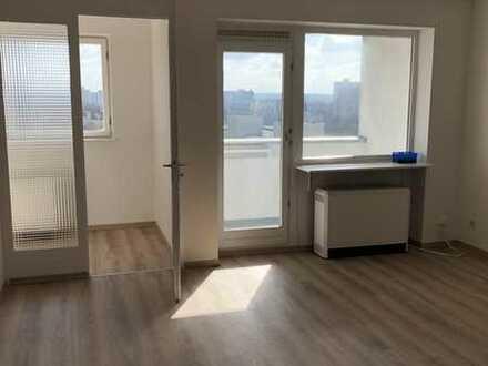 NEU sanierte 1 Zimmer Wohnung mit Balkon und Keller