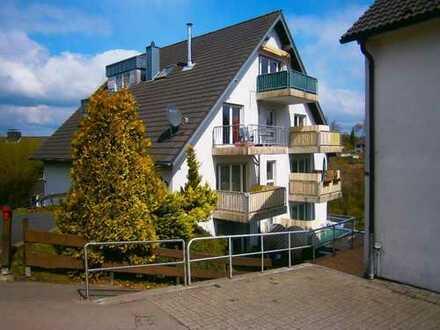 Gemütliche 2 - Zimmer Dachgeschosswohnung in zentraler Lage von Marienheide!