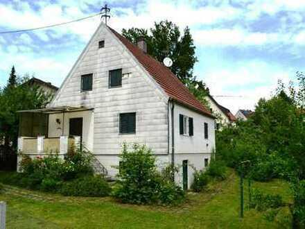Sanierungsbedürftiges Einfamilienhaus mit Garten in ruhiger und zentrumsnaher Lage in Pfaffenhofen!