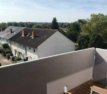 Stilvolle, sanierte 3-Zimmer-Wohnung mit Balkon und Fahrstuhl in Brühl-Rohrhof