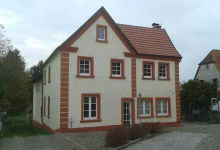 Freundliche, neuwertige 3-Zimmer-Erdgeschosswohnung mit gehobener Innenausstattung in Berg (Pfalz)