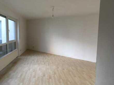 Stilvolle 3-Zimmer-Erdgeschosswohnung mit Terrasse in Dreieich/Offenthal