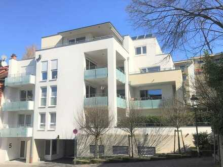 Penthouse-Wohnung im modernen Villen-Neubau