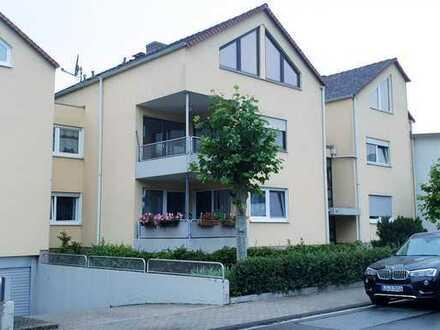 Außergewöhnliche 7-Zimmer-Maisonette-Wohnung mit Balkon in Ludwigshafen am Rhein