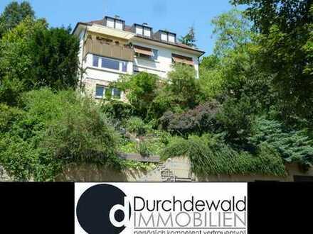 Charmante 3-Zi.-Wohnung mit großem Balkon und Hofterrasse