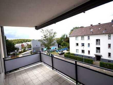 Hochwertige 3 Zimmer Eigentumswohnung mit 2 Bädern, Balkon und Tiefgaragenstellplatz