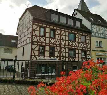 5Min. Uni, 16.5qm+Balkon, möbliertes/renoviertes WG-Zi, Herzen von Koblenz Güls, Flatrat/Wachmaschin