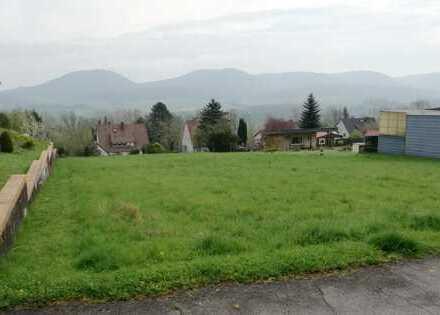 Baugrundstück in ruhiger Lage mit unverbaubarem Blick auf die 7 Berge zwischen Gronau und Alfeld