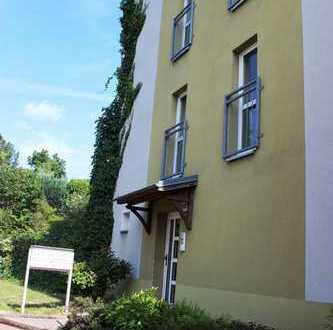 Kleine Wohnanlage bestehend aus 4 Häusern mit 25 Wohnungen und einer GWE