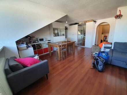 Vermietung einer wunderschönen, hellen 3-Zimmer Wohnung im 3. OG.