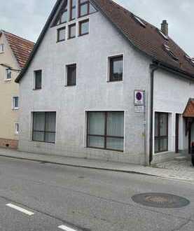 Freundliche 4,5-Zimmer-Wohnung mit Einbauküche in Denkendorf
