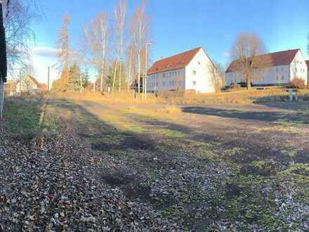 Viel Platz für Ihr neues Zuhause in der Universitätsstadt Freiberg + Baugrundstück zu verkaufen