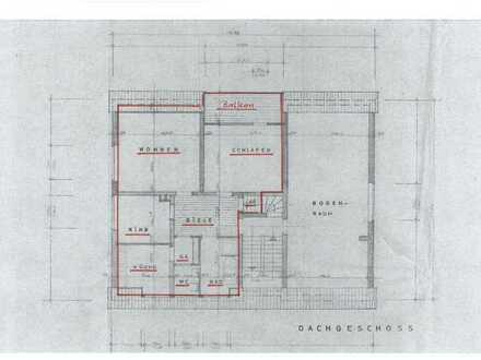 Gepflegte DG-Wohnung mit vier Zimmern und Balkon in Lünen