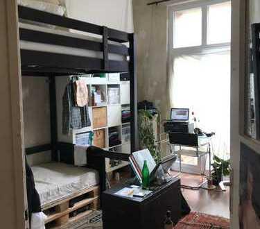 Schönes Wg Zimmer mit Hochbett (4 meter hohe Decken) in Köln Ehrenfeld
