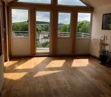 Sanierte 5-Zimmer-Wohnung mit Balkon und EBK in Hof