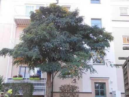 **gut geschnittene 2-Raum Wohnung mit Balkon in Marienthal **