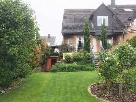 Top geplegtes Haus mit fünf Zimmern und Traumgarten in Mainz, Hechtsheim