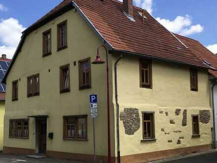 liebevoll saniertes historisches Haus im Ortskern