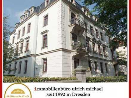 * Stilvolle, ruhige 2-Zi-Whg. in Striesen ~ gr. West-Balkon ~ Parkett ~ Lift *