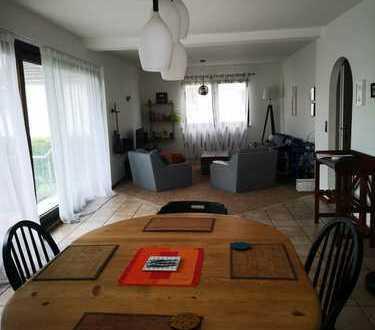 Attraktive, helle 3-Zimmer-Wohnung mit großer sonniger Terasse in Dünnwald, Köln