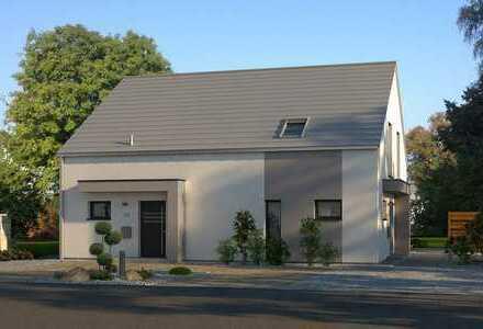 -- Einfamilienhaus mit Grundstück --