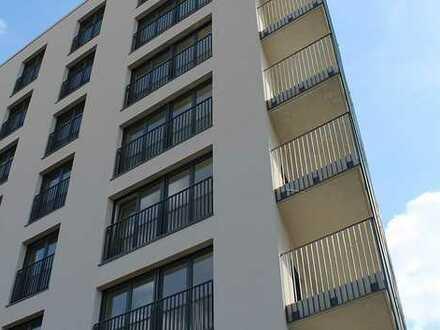 Leben in bester Lage mit Einbauküche! Luxus-3-Zimmer mit großem Balkon.