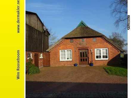 Brake - Golzwarden: Bauernhaus mit Scheune