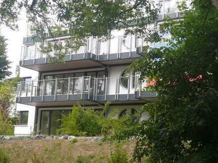 möblierter Luxus - lichtdurchflutete, moderne 4-Raum-Wohnung mit 2 Sonnenbalkonen