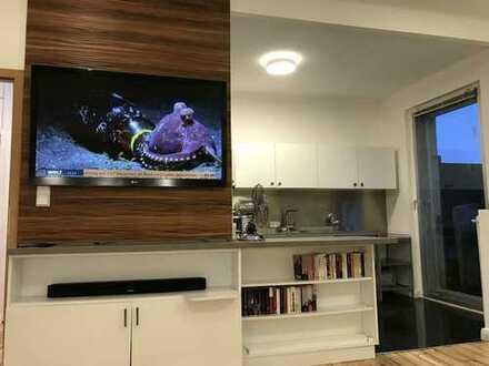 City Apartment 2-Zi hochwertig möbliert / furnished Balkon WBad Einbauküche