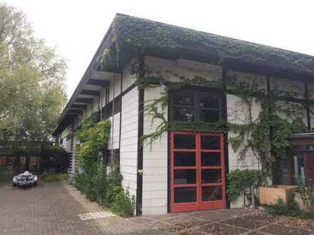 Gewerbe-Produktionshalle mit Büros, Küche ,Wohnung, Grundstück in Erbpacht
