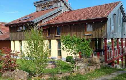 Schönes, geräumiges Haus mit sieben Zimmern in Aschaffenburg (Kreis), Heinrichsthal