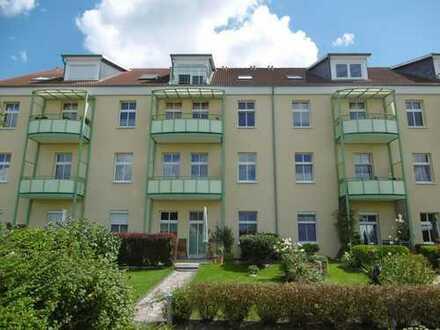 Schöne 2-Zimmer-Dachgeschosswohnung mit EBK, Balkon und Pkw-Stellplatz in Neuruppin
