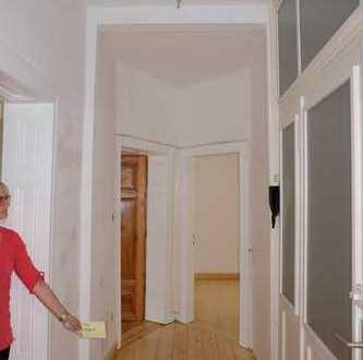 WG-Zimmer im Kreuzviertel // 100qm Altbau, Balkon, Holzdielen
