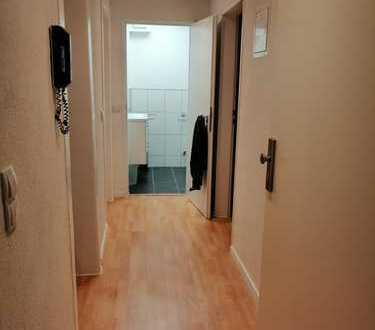 WG-Zimmer in kernsanierter & frisch renovierter Altbauwohnung in zentraler Karlsruher Innenstadtlage