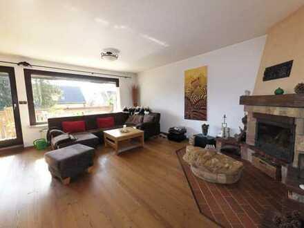 Bild_Exklusive, helle, modernisierte 4-Zi.-Wohnung mit Balkon und EBK in Berlin Hermsdorf. Ab Aug-2019