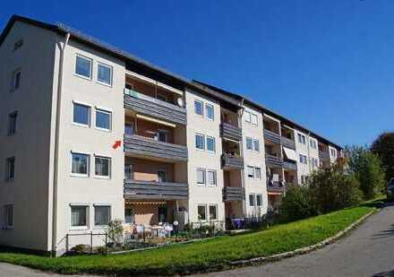 Freundliche 4-Zimmer-Wohnung mit Balkon und Einbauküche in Miesbach